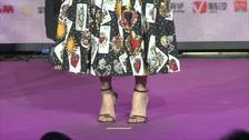 杨紫粉丝见面会解锁最新拍照姿势 多部作品即将霸屏